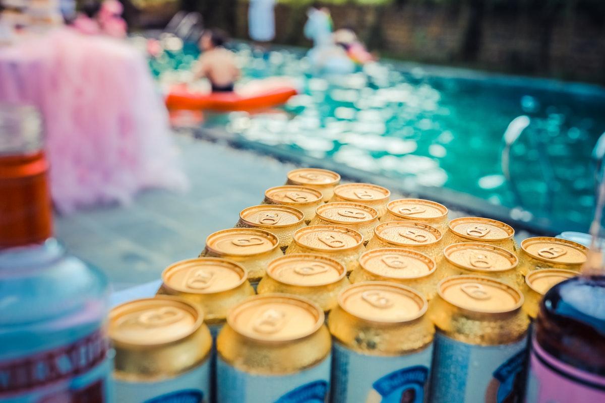 4 Stunning Pool Party Ideas