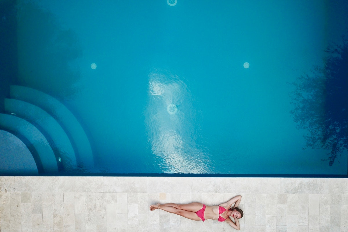 How much does it cost to maintain your swimming pool?