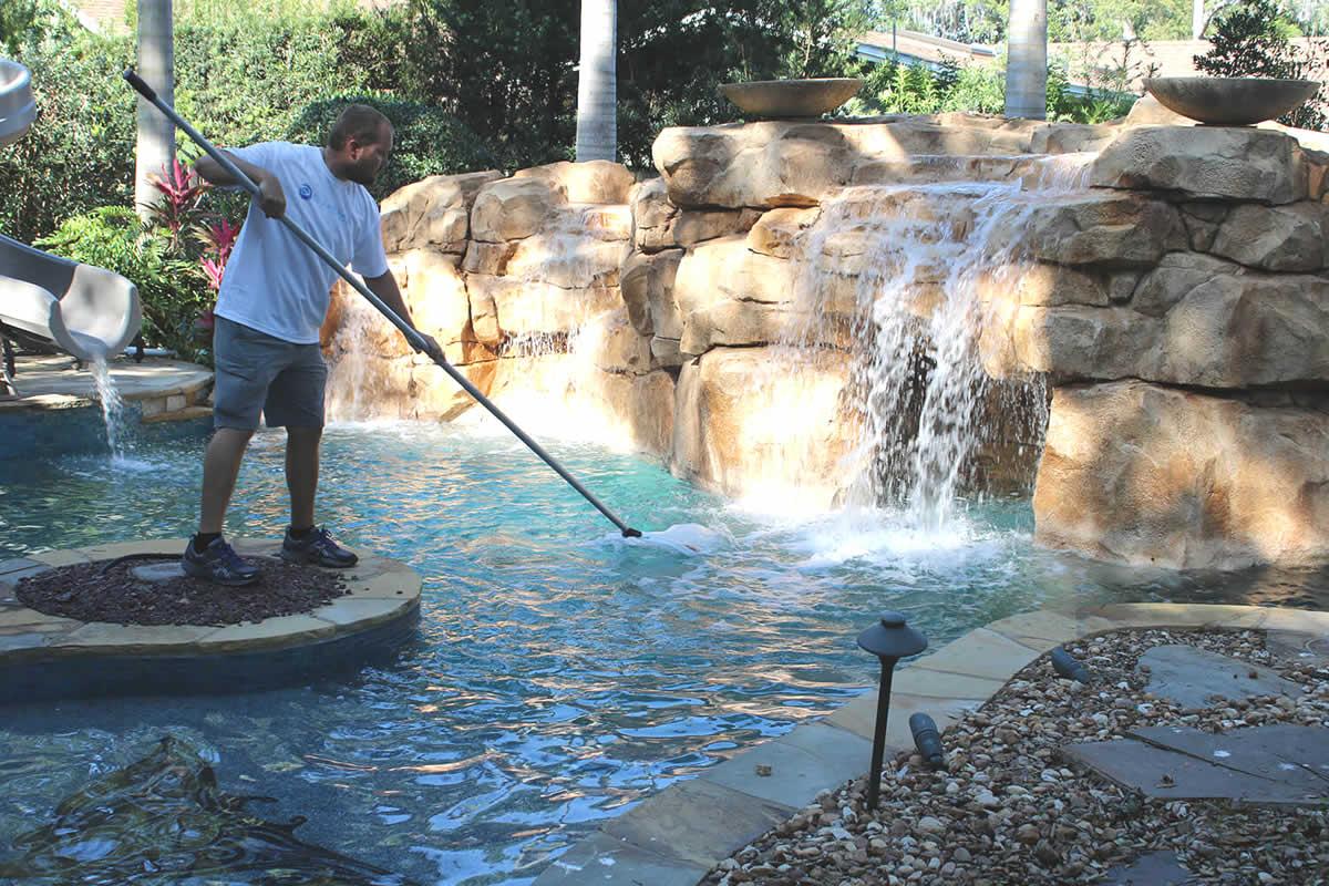 How to Choose a Pool Care Company